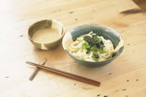 Cold Udon noodle with sesame dip £5.50